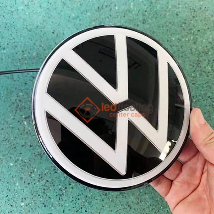 Dynamic VW Emblem Light